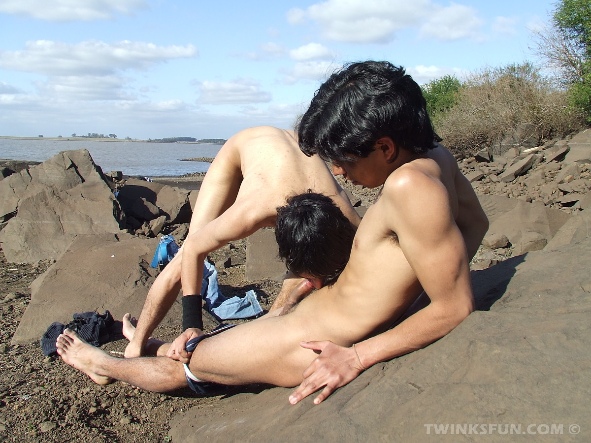 Young nude boys pics